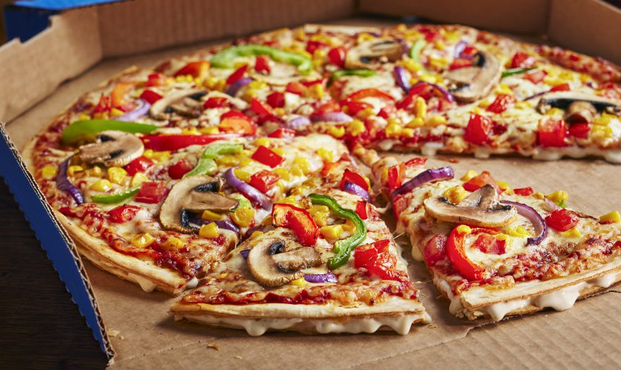 Domino's HOT & SPICY Double Decadence Review, Domino's Pizza