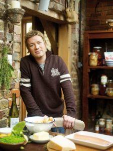 Jamie Oliver Pizza Cutter, Jamie Oliver JB6500 Cookware Range.